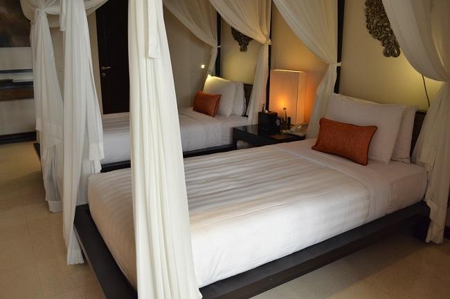 ヴィラアイルバリ ガーデンプールヴィラ・2ベッドルーム ベッドルーム(ツインベッド)