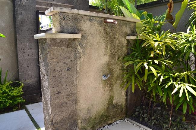 ヴィラアイルバリ ガーデンプールヴィラ・2ベッドルーム プール用屋外シャワー