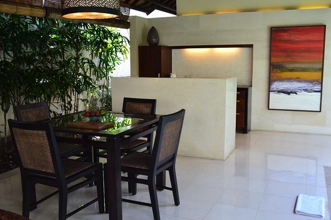 ヴィラアイルバリ ガーデンプールヴィラ・2ベッドルーム キッチン&ダイニング