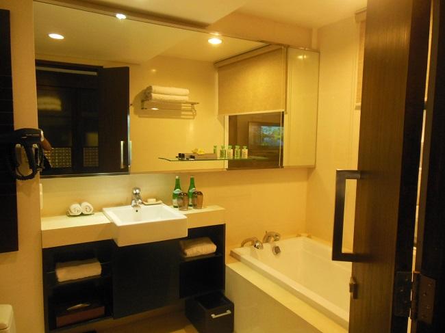 メリアバリ プレミアムラグーンアクセスルーム バスルーム
