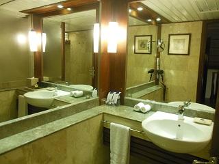 メリアバリ ファミリールーム バスルーム