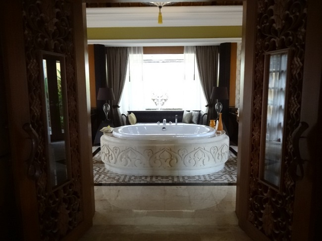 ザ・ヴィラズ・アット・アヤナ・リゾート・バリ 1ベッドルームオーシャンフロントプールヴィラ バスルーム
