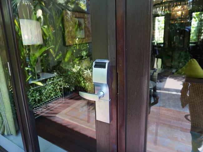 ザ・セントレジス バリ リゾート 1ベッドルームラグーンヴィラ ドア