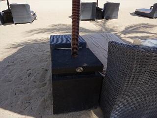 ザ・セントレジス バリ リゾート ビーチエリア ビーチとチェア