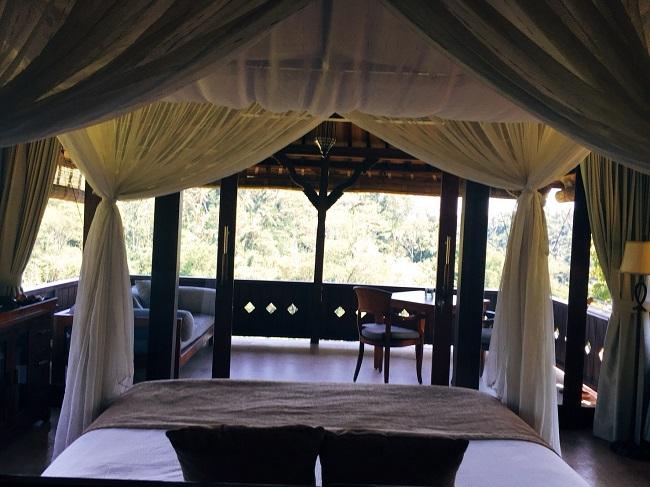 バグースジャティ スーペリアヴィラ ベッドルームからの景色