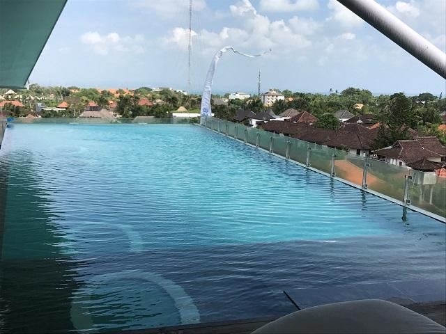 アイズスミニャック 屋上プール