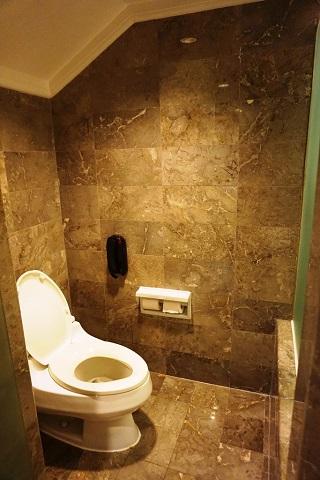 インターコンチネンタルバリリゾート クラブデュプレックススイート トイレ