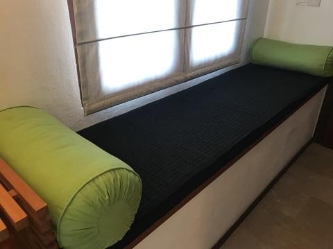 マヤ ウブド リゾート アンド スパ スーペリアルーム デラックスルーム キャリーバッグを広げられるスペース