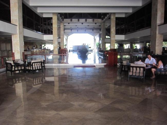 ディスカバリー・カルティカ プラザ ホテル エントランス