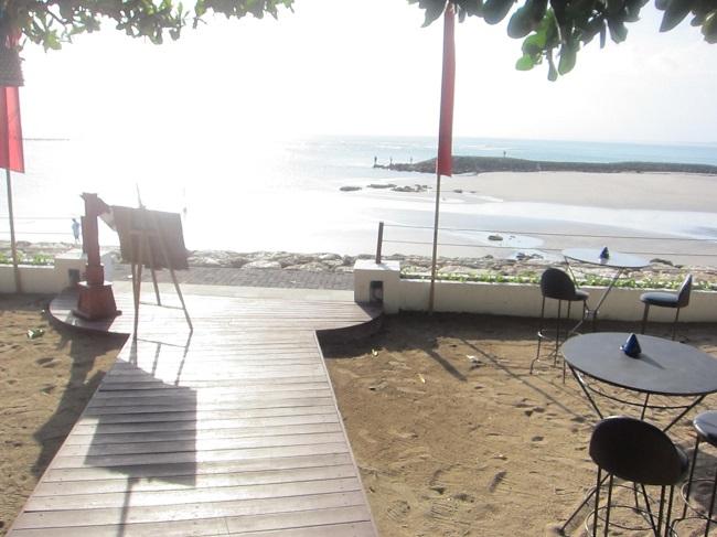 ディスカバリー・カルティカ プラザ ホテル ホテル前のビーチ