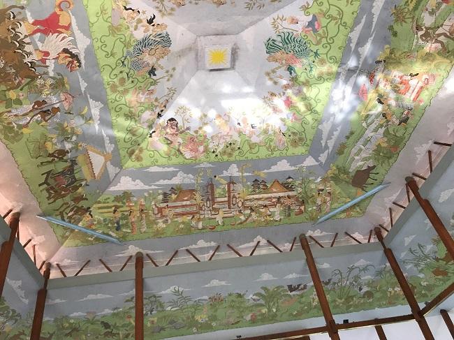 メリア・バリ 天井にある巨大な絵柄