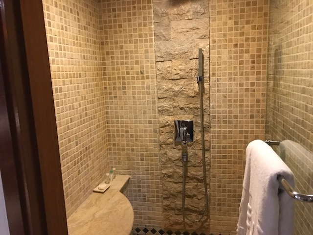 メリア・バリ ガーデンヴィラ シャワー
