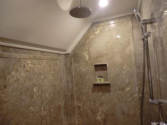 インターコンチネンタル・バリ・リゾート シンガラジャルーム シャワールーム