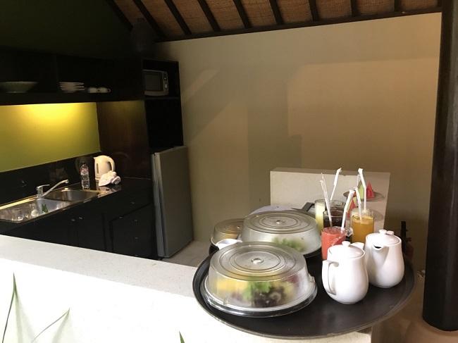ヴィラ アイルバリ ブティック リゾート ガーデンプールヴィラ2ベッドルーム キッチン