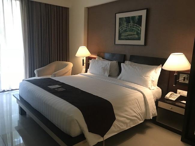 アストン クタ ホテル&レジデンス プレミアムスイート ベッドルーム